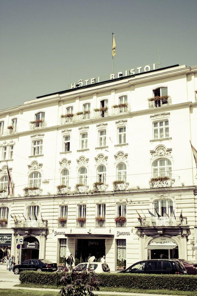 hotel-617213_1280